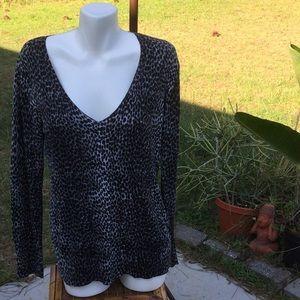 💃Too Trendy NY & Company Size Large Sweater 💃
